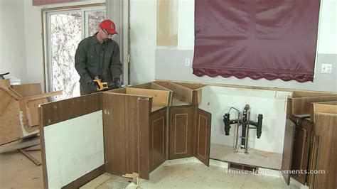 how to remove kitchen cabinets without damage removing kitchen cabinets without damaging them savae org