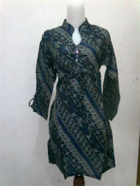 desain baju batik atasan wanita batik wanita modern 2012 creavoom fashion