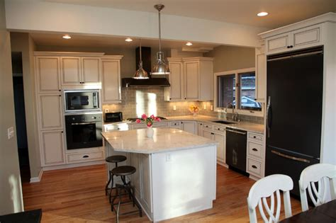 classic white kitchen designs white classic kitchen design traditional kitchen