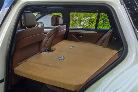 schlafen im auto schlafset zur bequemen uebernachtung im auto auch fuer camping oder zu hause