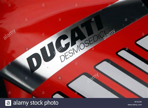 Motogp Motorrad Marken by Ducati Desmosedici Stockfotos Ducati Desmosedici Bilder
