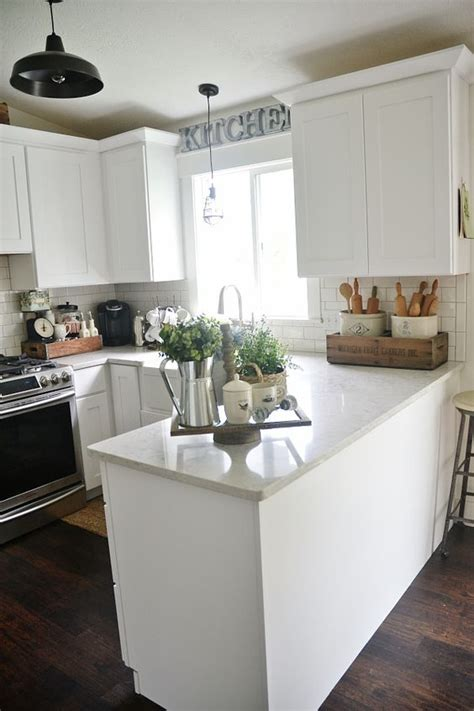 Kitchen Counter Decorating Ideas Pictures Early Summer Home Tour Summer Knobs And Pulls And Countertops
