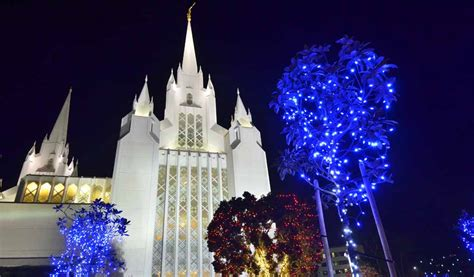 how mormon volunteers launch the best christmas lights in