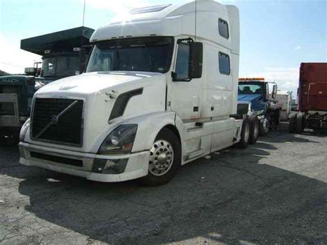 volvo white trucks for sale volvo 780 2008 sleeper semi trucks