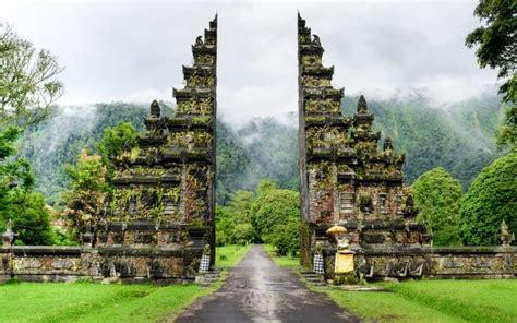 places  southeast asia ideal  solo travel edreams