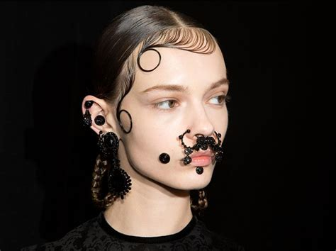 the fall 2015 extreme beauty trend of face piercings and