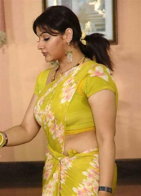hot indian aunties photos saree pics mallu aunties picture mallu aunty saree desi aunty saree indian aunty saree