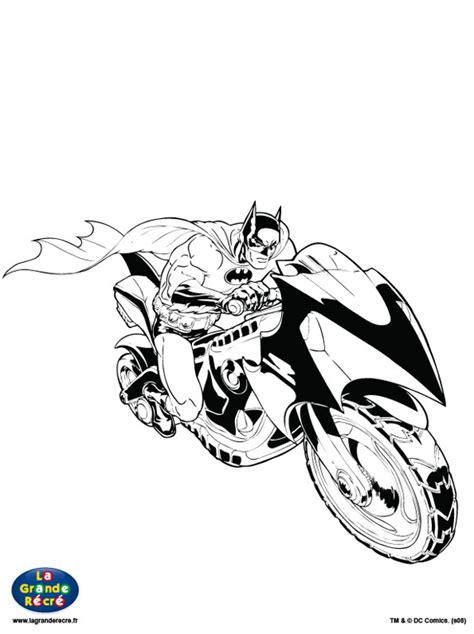 310 Dessins De Coloriage Batman 224 Imprimer Sur Laguerche Dessin De Batman Avec Sa Batmobile L