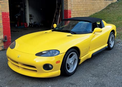automotive repair manual 1994 dodge viper rt 10 security system 1994 dodge viper rt 10 convertible sports car market keith martin s guide to car collecting