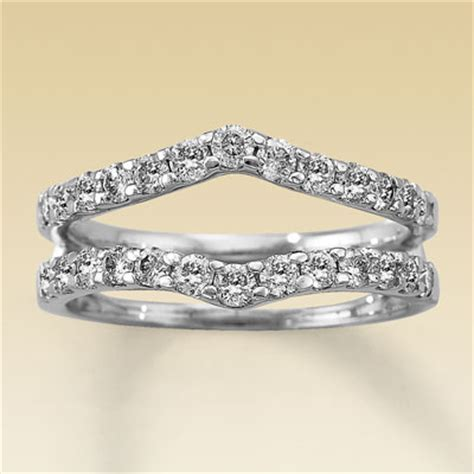 help what wedding band design to go with my shaped