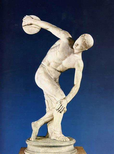 imagenes antiguas de esculturas gallery el disc 243 bolo es una famosa escultura griega realizada por mir 243 n de el 233 uteras en torno al 455 a