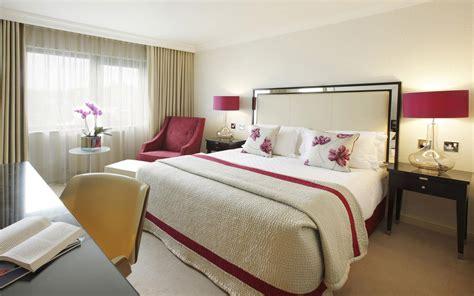 wallpaper couple in bed дизайн комнаты для девушки 63 фото для маленькой