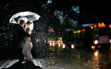 love rain themes 20 love couple s romance in the rain wallpapers