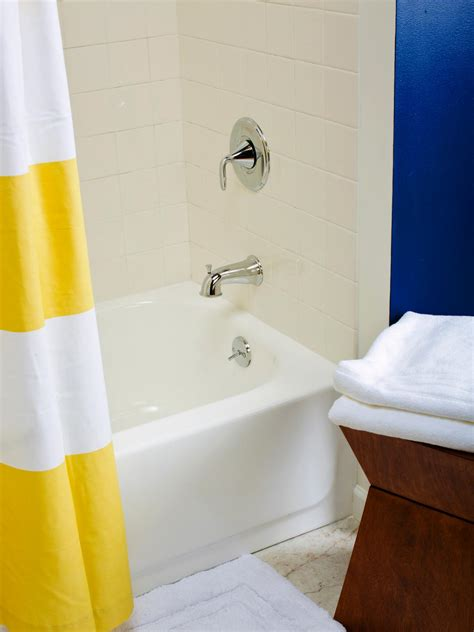 Bathroom Shower Paint Tips From The Pros On Painting Bathtubs And Tile Diy