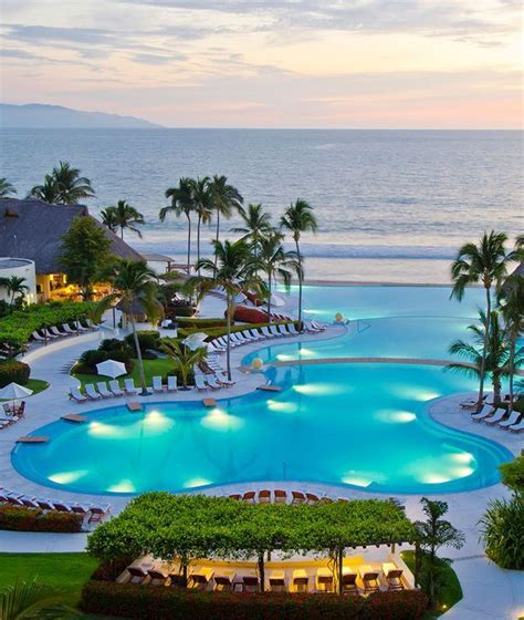 1000  ideas about Puerto Vallarta Resorts on Pinterest