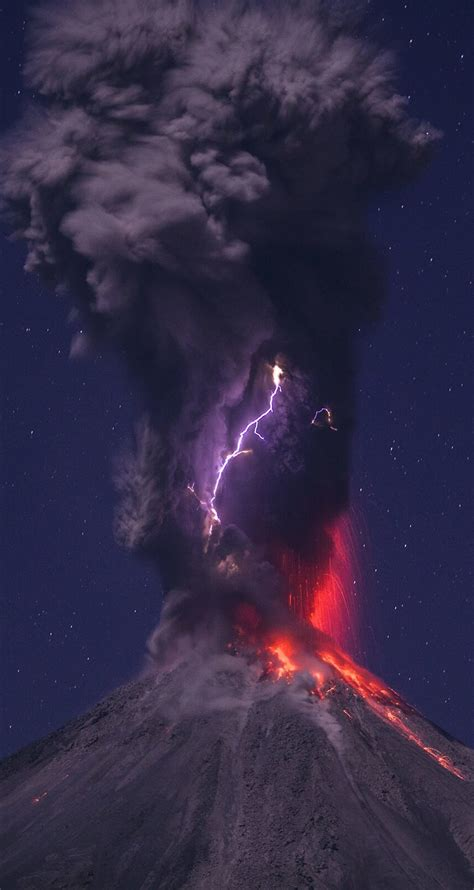 iphone wallpaper hd lightning download volcanic lightning hd wallpaper for iphone 6 6s