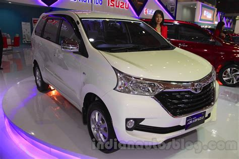 Lu Projector Avanza Veloz toyota grand new avanza front quarter 1 at the 2015 iims