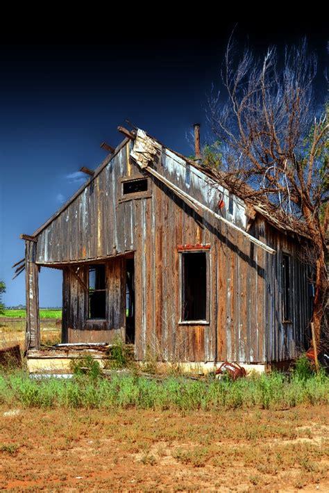 small farm houses small old farm house old farmhouses pinterest