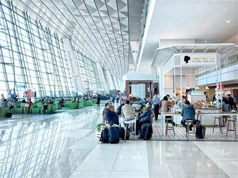 tips naik pesawat yang transit punya jadwal lebih ketat ketimbang transportasi lain
