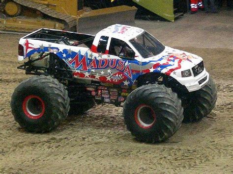 monster jam madusa truck pictures of monster trucks pictures of madusa maximum