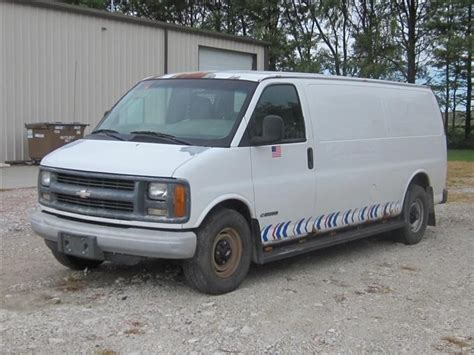 old car owners manuals 2000 chevrolet express 3500 seat position control service manual 2000 chevrolet express 3500 manual service manual 2000 chevrolet express 3500