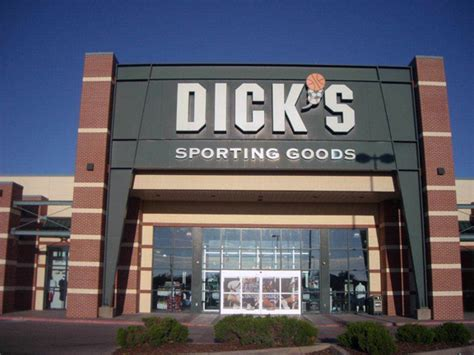 s sporting goods store in wichita ks 135