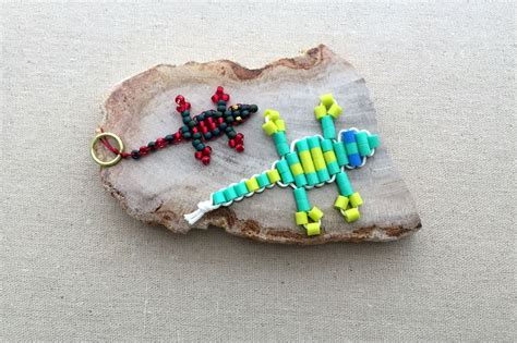gecko bead keychain how to make a beaded gecko lizard keychain