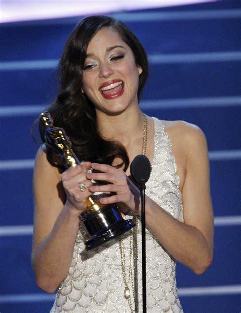 oscar best actress marion cotillard marion cotillard wins the oscar for best actress