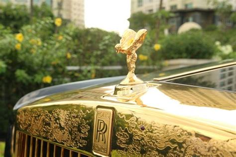 gold phantom car super car rolls royce phantom 24k gold plated dragon