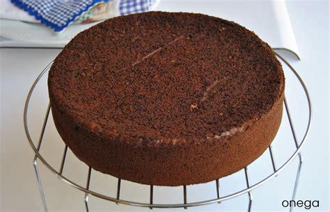 como decorar un bizcocho redondo bizcocho de chocolate para tartas de cumplea 241 os receta