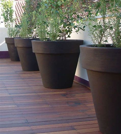 Large Garden Planters And Pots by Large Outdoor Planters The Home And Office Garden For