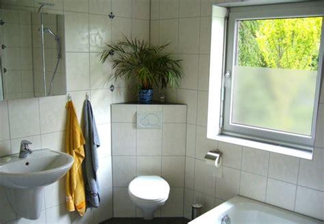 Fenster Sichtschutz Badezimmer by Sichtschutzfolie F 252 R Fenster 23 Praktische Vorschl 228 Ge