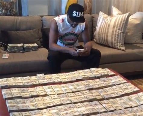 floyd mayweather money bag mayweather posts 90k warriors winning bet on instagram bso