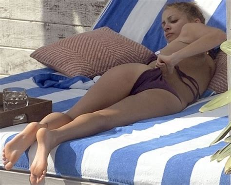 Fergie Wedgie by 10 Best Images About Tmi Moments On