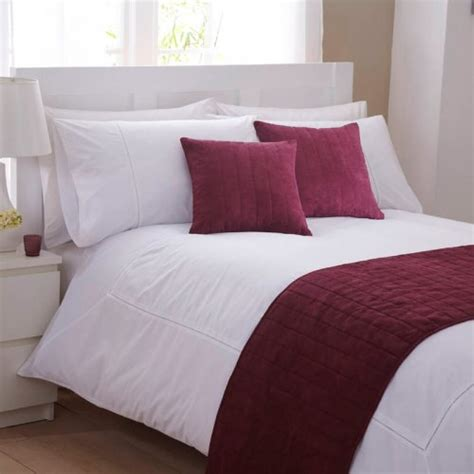 bed runners bed runner in red