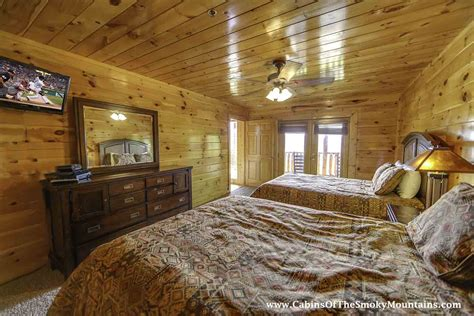 6 bedroom cabins in gatlinburg gatlinburg cabin vista lodge 6 bedroom sleeps 22