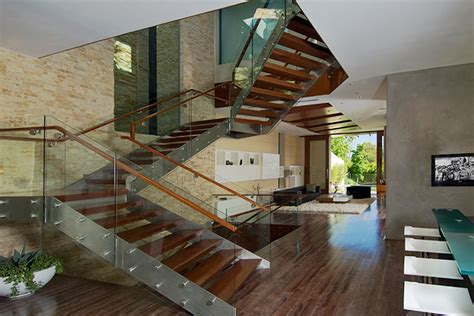 39 rare photos from inside the richest man in the world s home bill gates house interior photos
