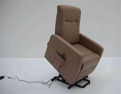 fauteuil taupe best 25 fauteuil relax ideas on