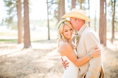 the powder room chico ca lake almanor photographer higgins ranch wedding jess