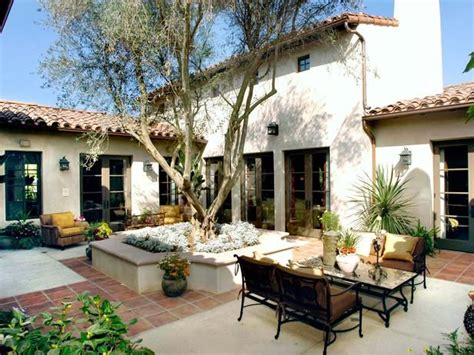spanish style courtyards spanish style courtyard patio gt gt http www hgtvremodels