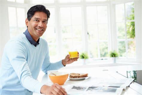 Usia 40 Tahun Tak Perlu Makan vitamin dan suplemen yang perlu anda konsumsi di segala