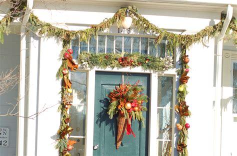 hang garland   door  avoid damage