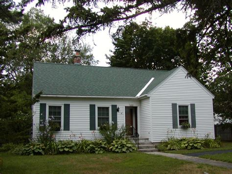 what is a cape cod style house the cape cod style house in the new world