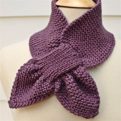 knitting pattern scarf free knit scarf keyhole scarf scarflette purple winter diy
