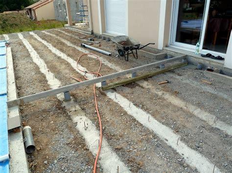 Pose Terrasse Bois Sur Plot Beton 4199 by Terrasse Plage Piscine En Composite Geolam Dans Le 86