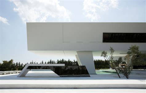 modern architect impressive ultra modern house in athens architecture beast