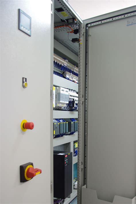 Cabinet Technologia by Cabinet Technologia