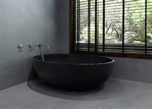 the sleek of bathtubs