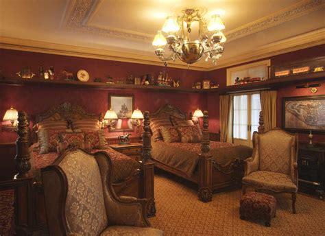 disneyland dream suite inside disneyland s secret apartments movies