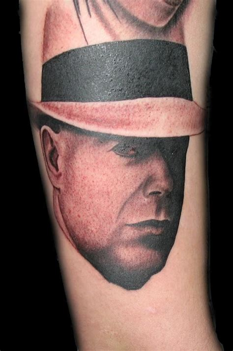 bruce willis tattoos bruce willis by jaredpreslar on deviantart